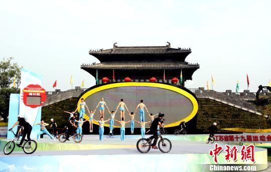 图为现场表演《追逐梦想》。 崔佳明 摄