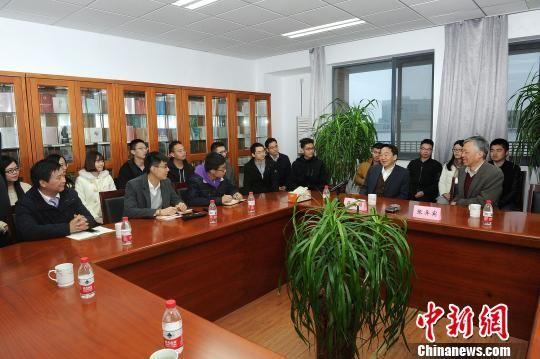 蒋建国副部长与南京大学师生座谈。 王红兵 摄