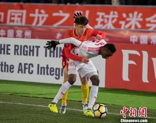 中国队上半场打进两球取得2:0的领先。 杨杰 摄