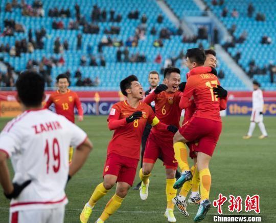 中国队取得了最终首战开门红 杨杰 摄
