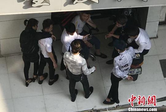 警方远赴三亚调查锁定嫌疑人。 警方供图 摄