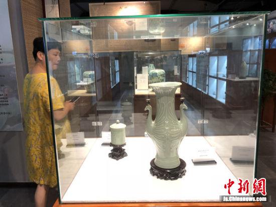 青蕴江南青瓷文化联展现场。