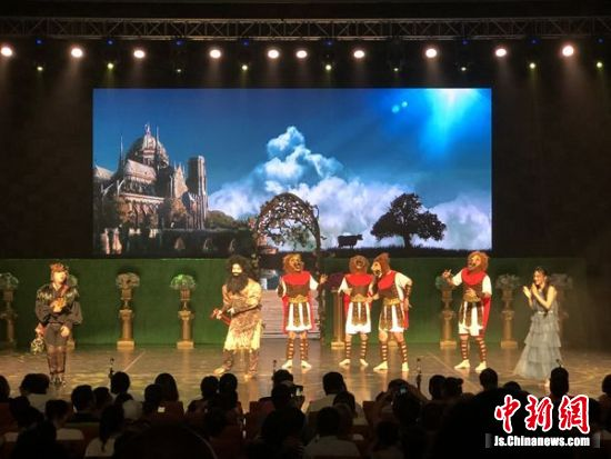 经典歌剧《魔笛》在江苏无锡首次演出。