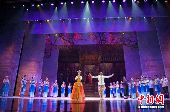 《南国红豆》以中柬跨国爱情故事为题材。
