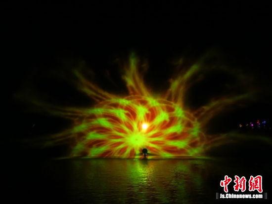激光水幕光影秀助阵无锡梅园灯光节。