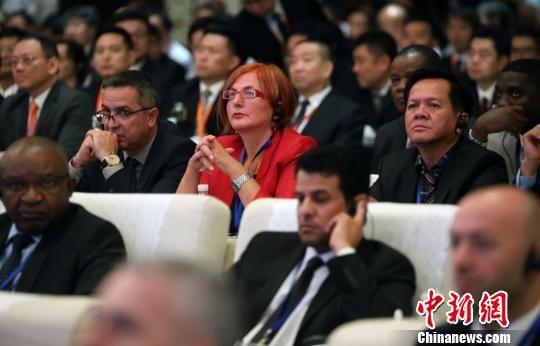 """由中国公安部主办的新亚欧大陆桥安全走廊国际执法合作论坛(简称""""连云港论坛"""")12日召开。 泱波 摄"""