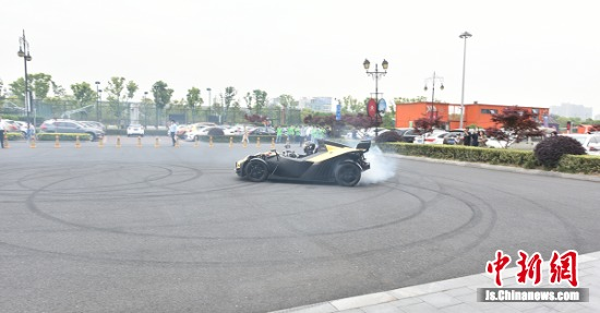 KTM X-Bow赛车漂移表演秀