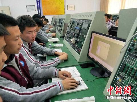 台商捐赠的电脑大幅提升了教学质量