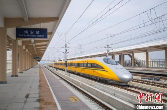 盐通铁路预计将在今年年底开通。 乔志帮 摄