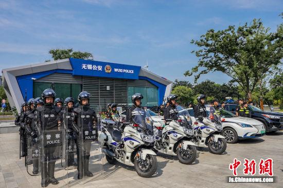 贡湖大道警务站全景。王小骏 摄