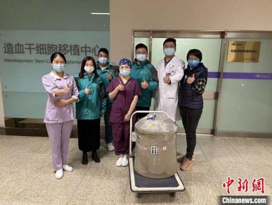 """""""生命之罐""""运送到南京明基医院。南京明基医院供图"""