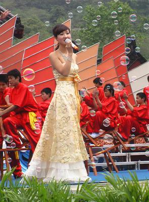 南京市歌舞团、南京师范大学音乐学院等文艺团体为广大市民送去