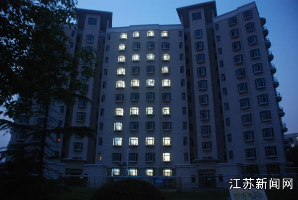 6月5日晚,南京航空航天大学民航飞行学院的宿舍楼; 南京航空航天大学图片